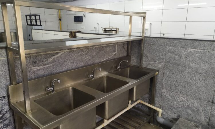 fully equipped kitchen for sale